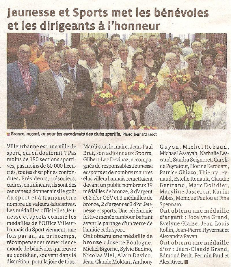 21-06-2012 Le Progres - Evelyne medaille Jeunesse et sport